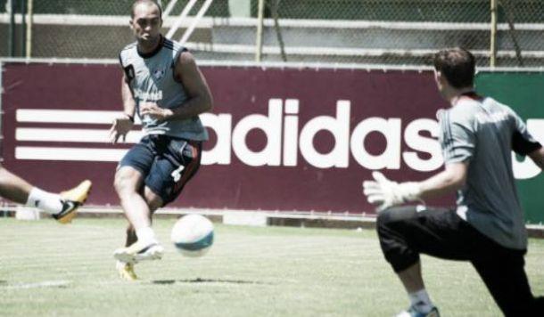Náutico anuncia volta de zagueiro Leandro Euzébio após nove anos