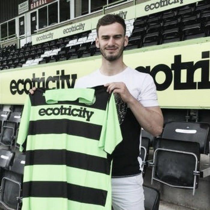 Evans, ex del Manchester United, segundo refuerzo del Forest Green