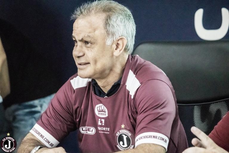 Após demitir Elano, Figueirense confirma Jorginho como novo treinador