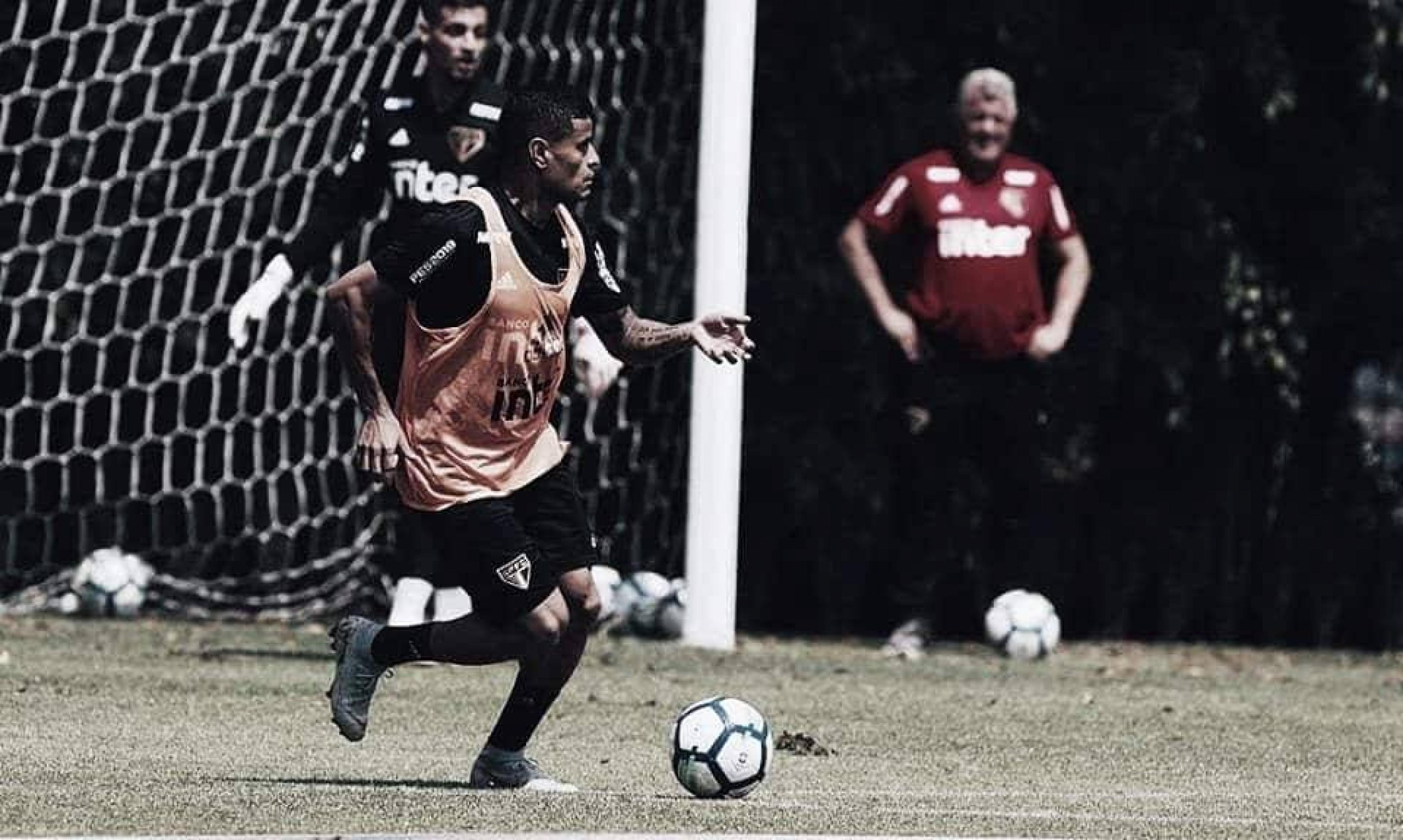 Reinaldo cita virtudes de Everton no São Paulo: ''Consistência defensiva e ofensiva''