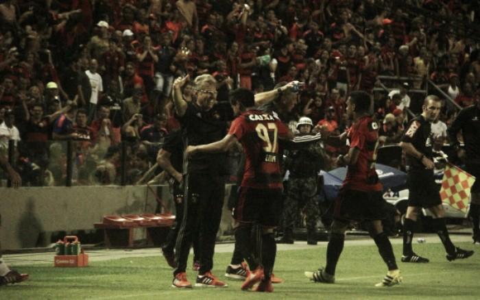 Everton Felipe comemora golaço na vitória sobre Santa Cruz e destaca força da torcida