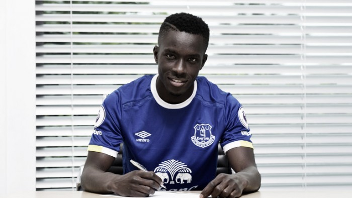 Everton complete the signing of Idrissa Gueye from Aston Villa