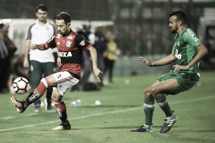 """Éverton Ribeiro e Diego avaliam tempo de parceria após chegada de Rueda: """"Podemos jogar juntos"""""""