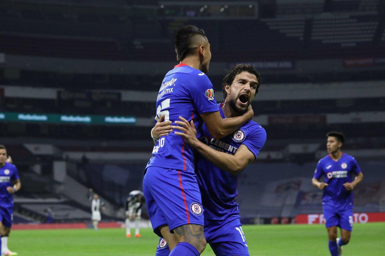 Cruz Azul liga su noveno triunfo consecutivo