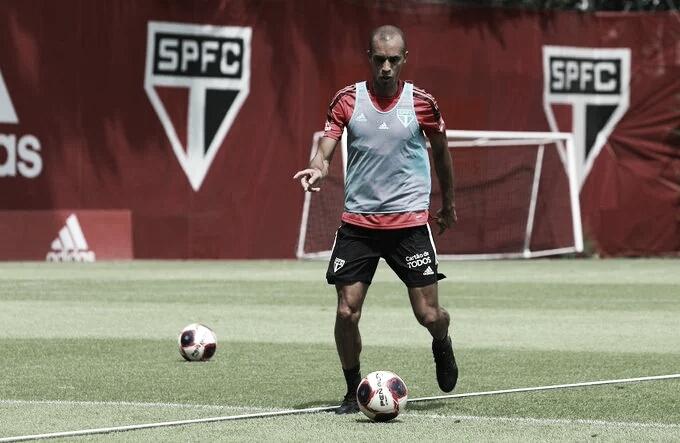 Ele voltou! São Paulo anuncia retorno do zagueiro Miranda após 10 anos