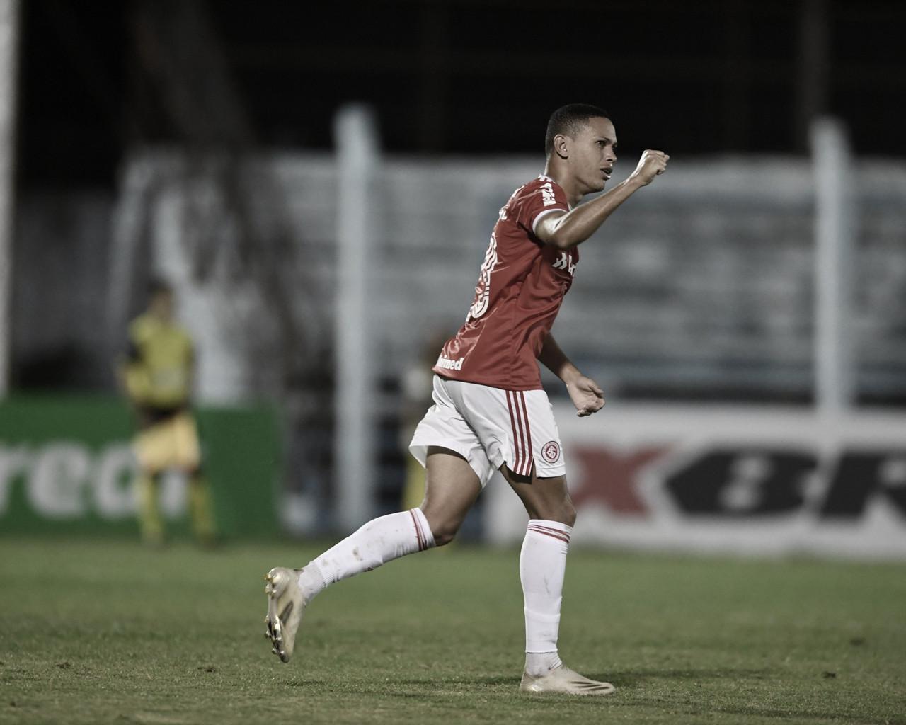 Na estreia de Miguel Ángel Ramírez, Internacional vence Novo Hamburgo e assume liderança do Gauchão