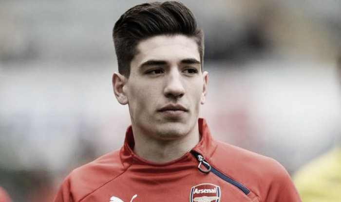 "Mikel Arteta ""like a father"" to me, says Hector Bellerin"
