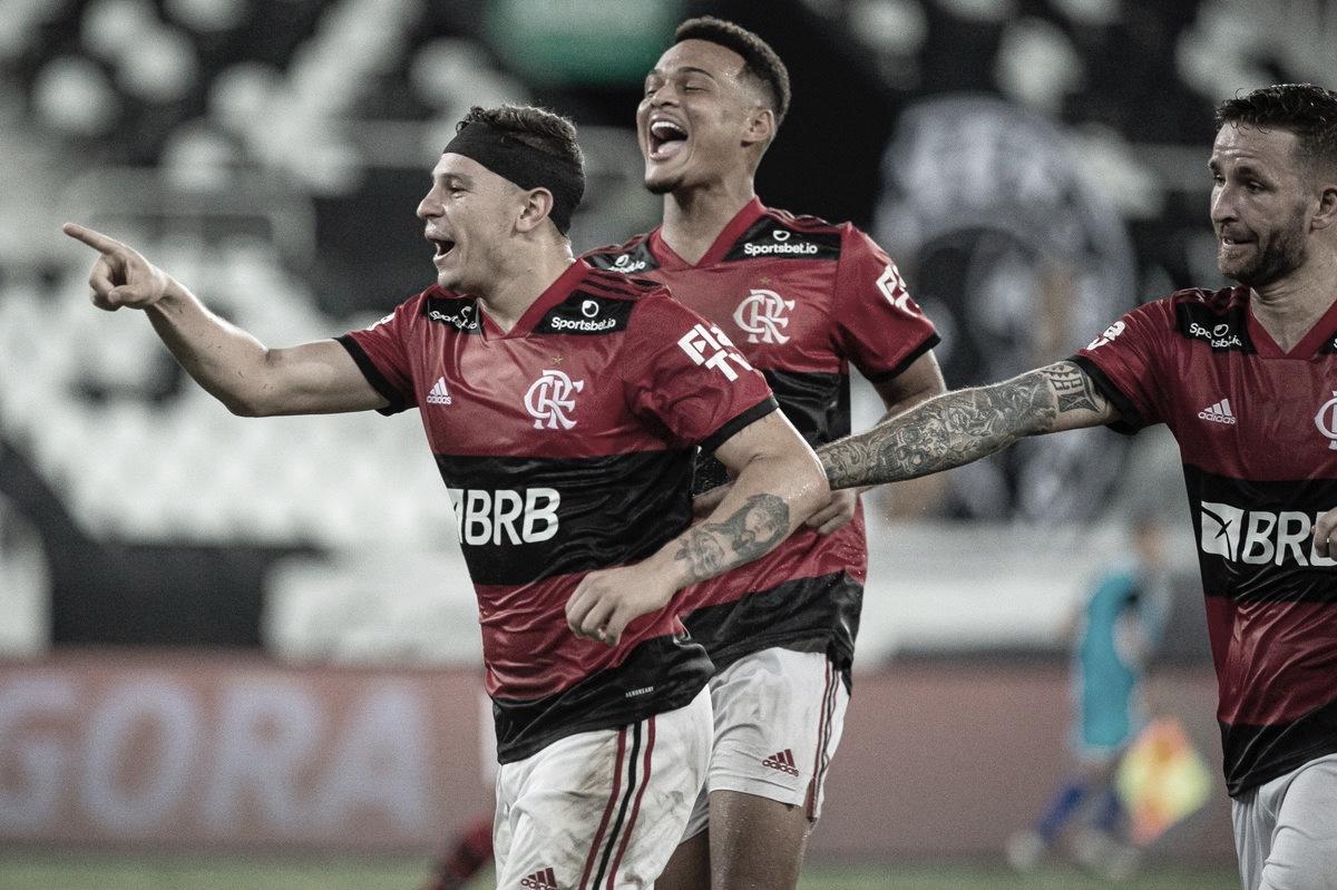Flamengo é soberano, tira invencibilidade do Botafogo e assume liderança do Carioca