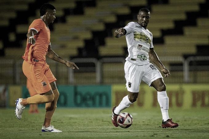 Alef Manga brilha, assume artilharia e Volta Redonda bate Nova Iguaçu em jogo movimentado