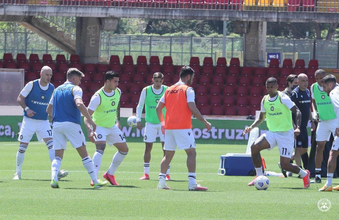 Il Benevento sbaglia e spreca: l'Udinese no e vince 2-4