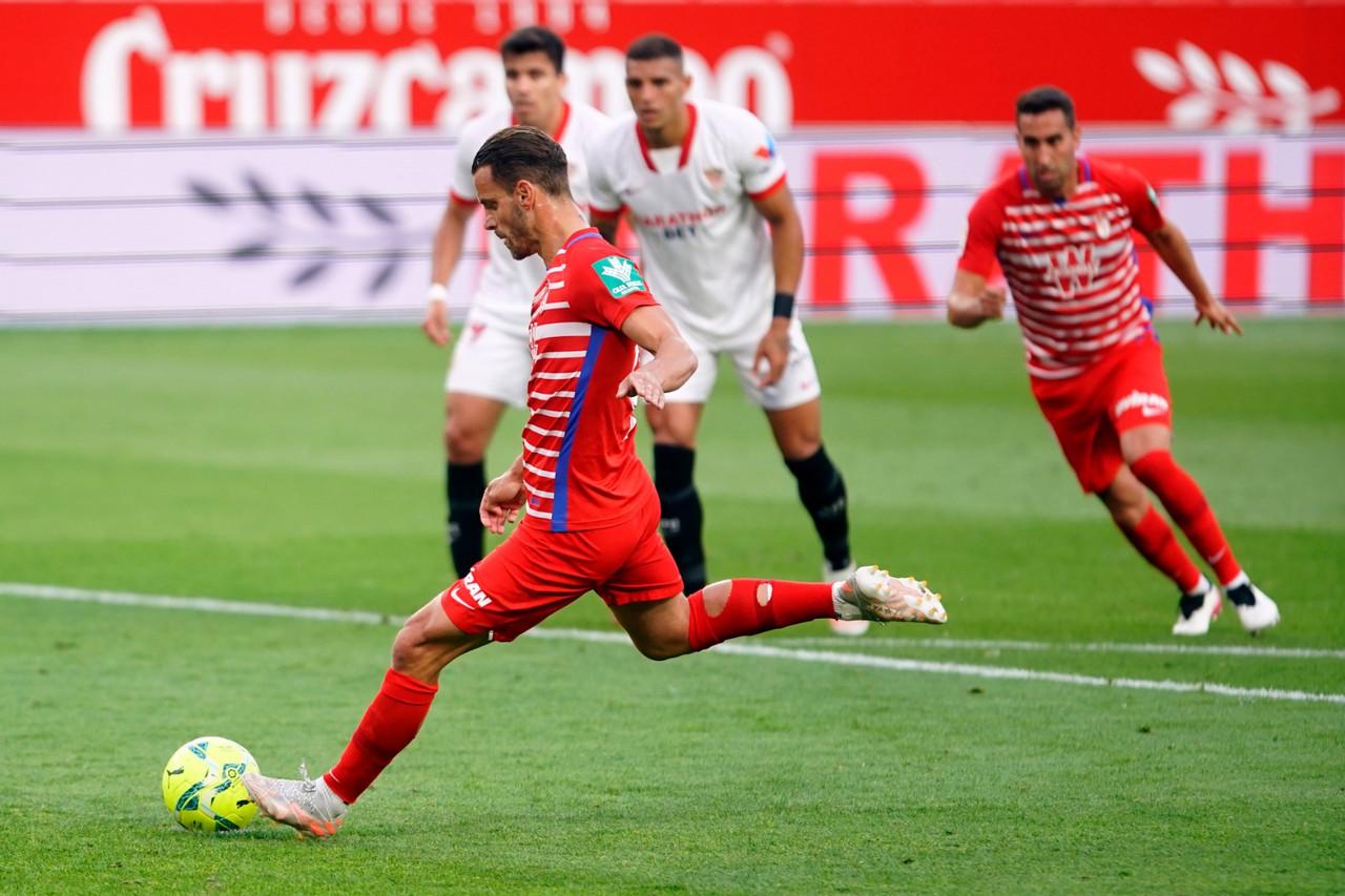 El Granada CF cae peleando hasta el final en el Pizjuán