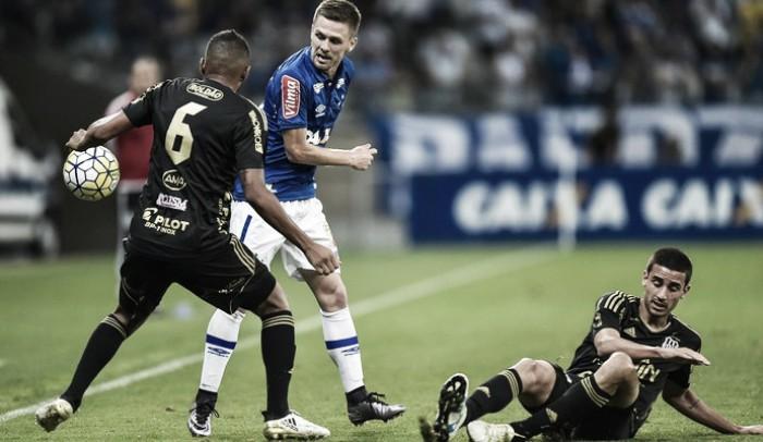 """Ezequiel celebra boa fase no Cruzeiro e mantém foco na evolução: """"Me cobro bastante"""""""