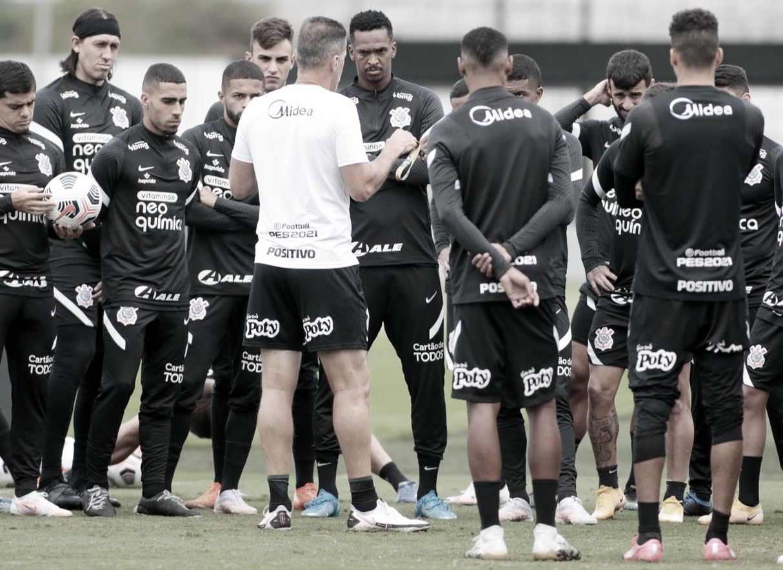 Melhores momentos de River Plate-PAR 0 x 0 Corinthians pela Sul-Americana 2021