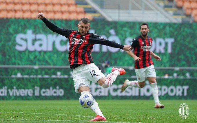 Il Milan torna a vincere a San Siro: battuto il Genoa per 2-1