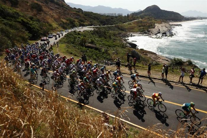 Em prova cheia de surpresas e cenários incríveis, Bélgica conquista ouro no Ciclismo de Estrada