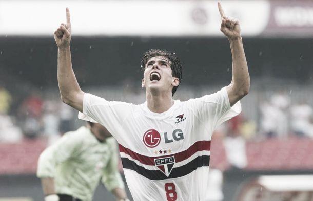 11 anos depois, Kaká reencontra um dos pivôs de desavença com torcida e saída turbulenta do São Paulo