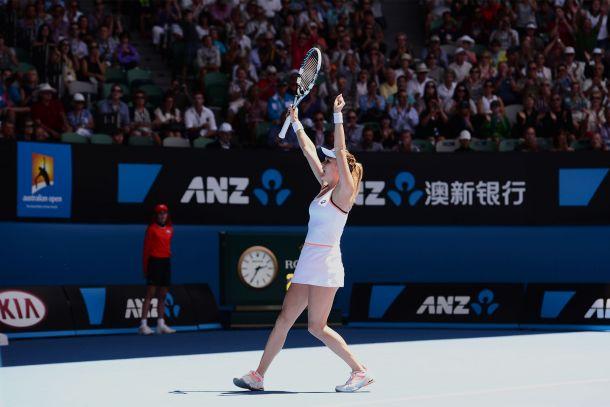 Radwanska se carga a la defensora del título