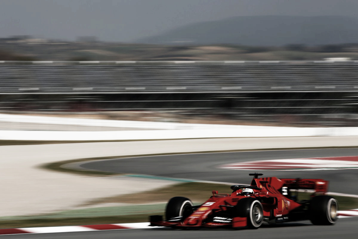 Ferrari domina a pré-temporada, mas Mercedes segue de perto