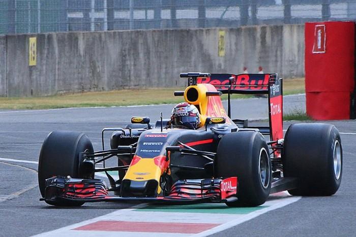 F1, test Pirelli 2017: Red Bull in pista al Mugello