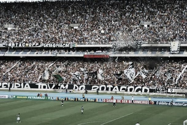 Torcida do Botafogo prepara grande mosaico para o jogo de quarta-feira