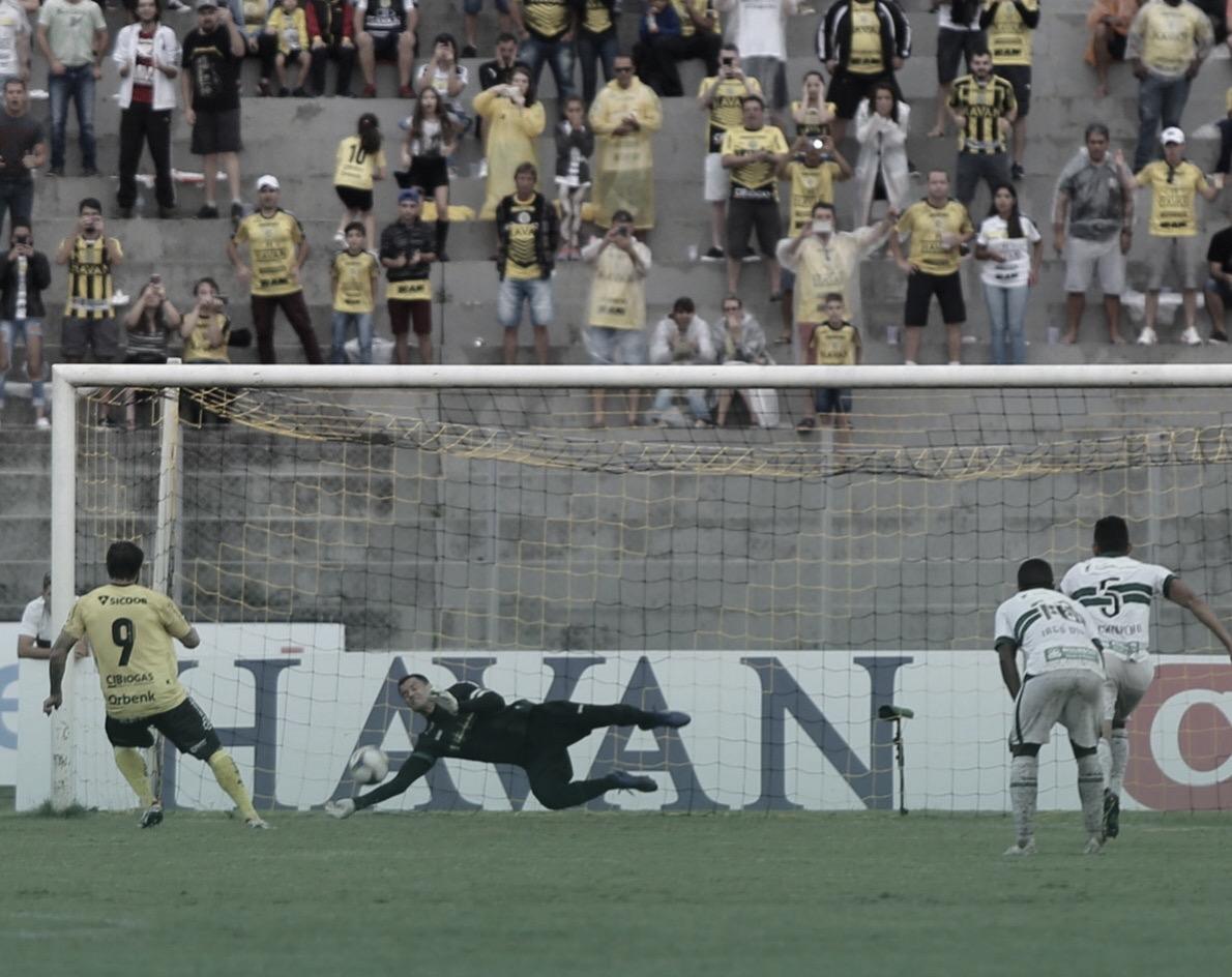 Coritiba vence FC Cascavel nos pênaltis e vai para final do primeiro turno no Paranaense