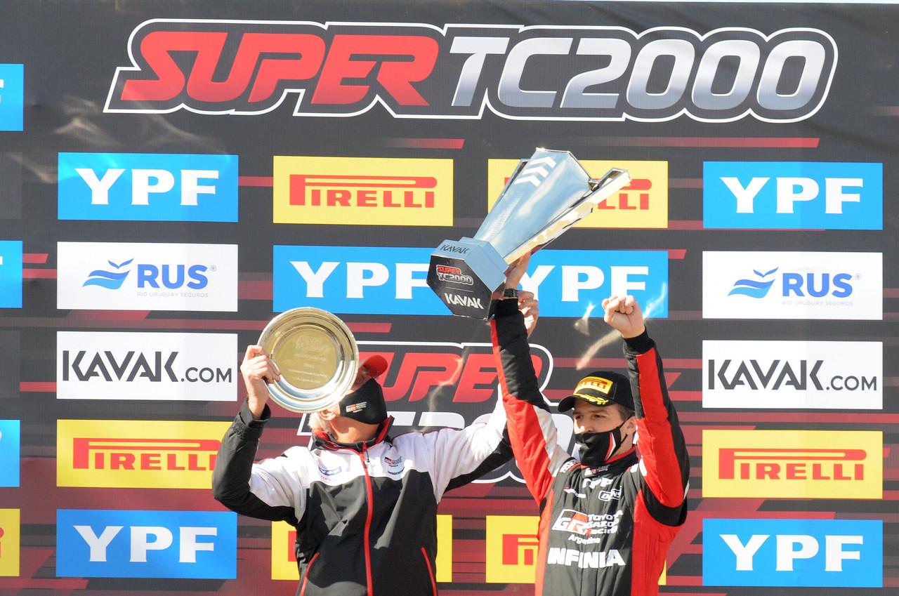 Rossi venció y es nuevo líder