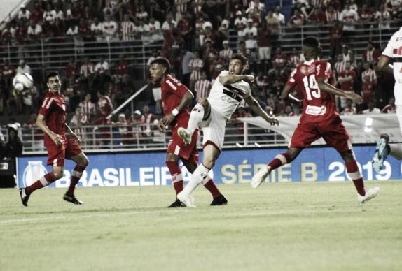CRB vence Botafogo-SP e se aproxima do G-4