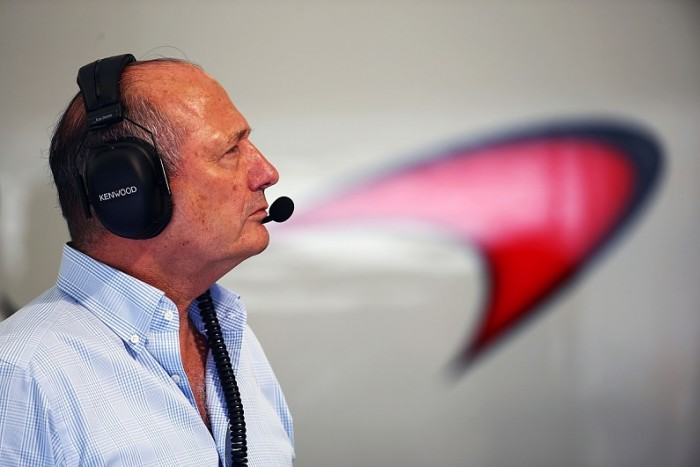 Ron Dennis não é mais o presidente executivo do Grupo McLaren