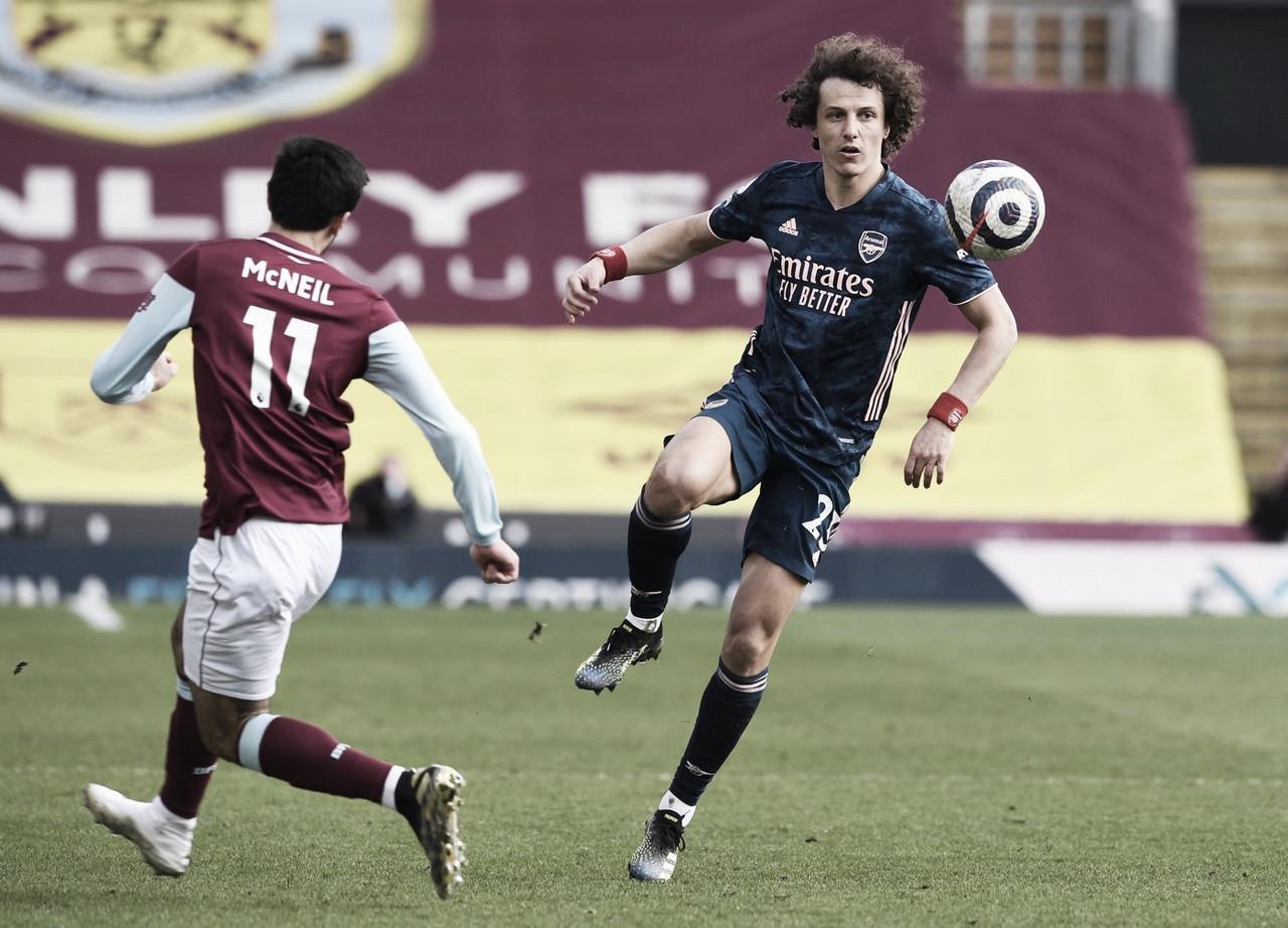 Alto salário afasta David Luiz do Flamengo