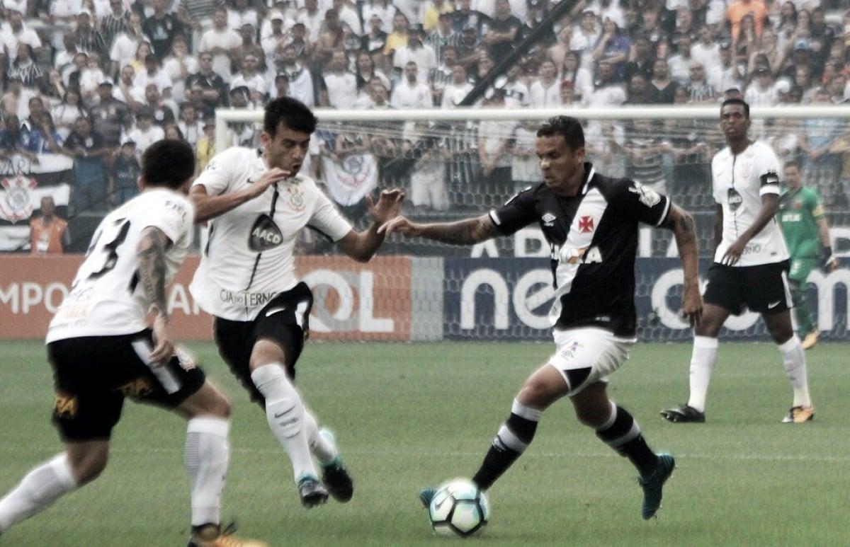 Próximos do G-6, Vasco e Corinthians medem forças no Mané Garrincha pelo Brasileiro