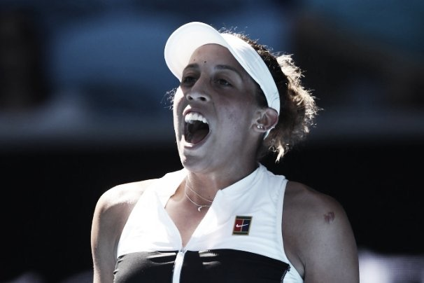 Keys domina Mertens e segue na disputa do Australian Open