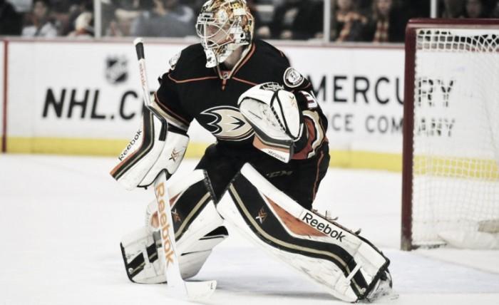Toronto Maple Leafs acquire Frederik Andersen from Anaheim Ducks