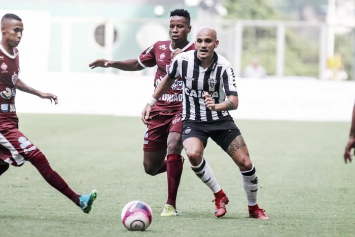 Fábio Santos aponta perda de intensidade física após tropeço em casa do Atlético-MG