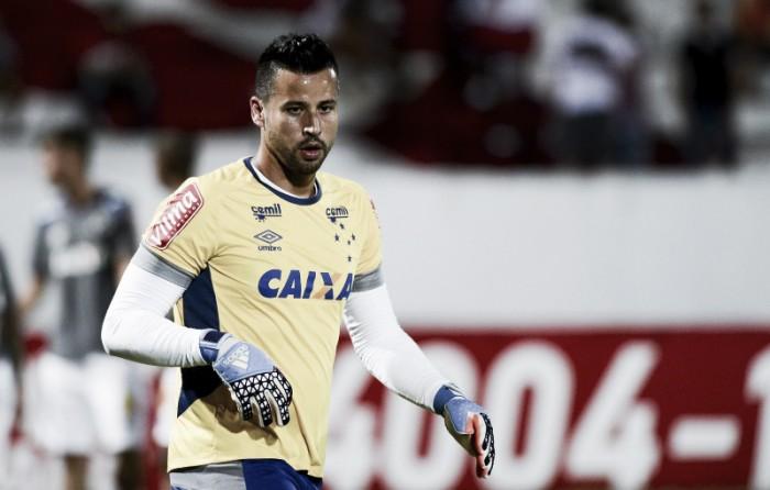 """Fábio critica postura do Cruzeiro na goleada para o Santa: """"Todos têm sua parcela"""""""