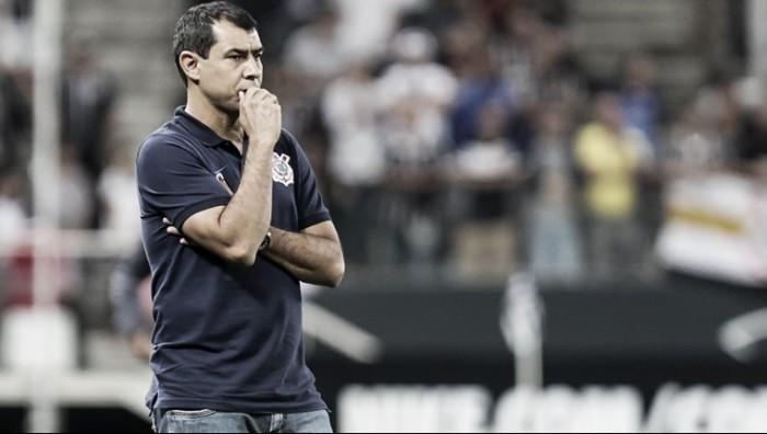 Carille elogia atuação do Corinthians ante Avaí, prega pés no chão e lamenta lesão de Pablo