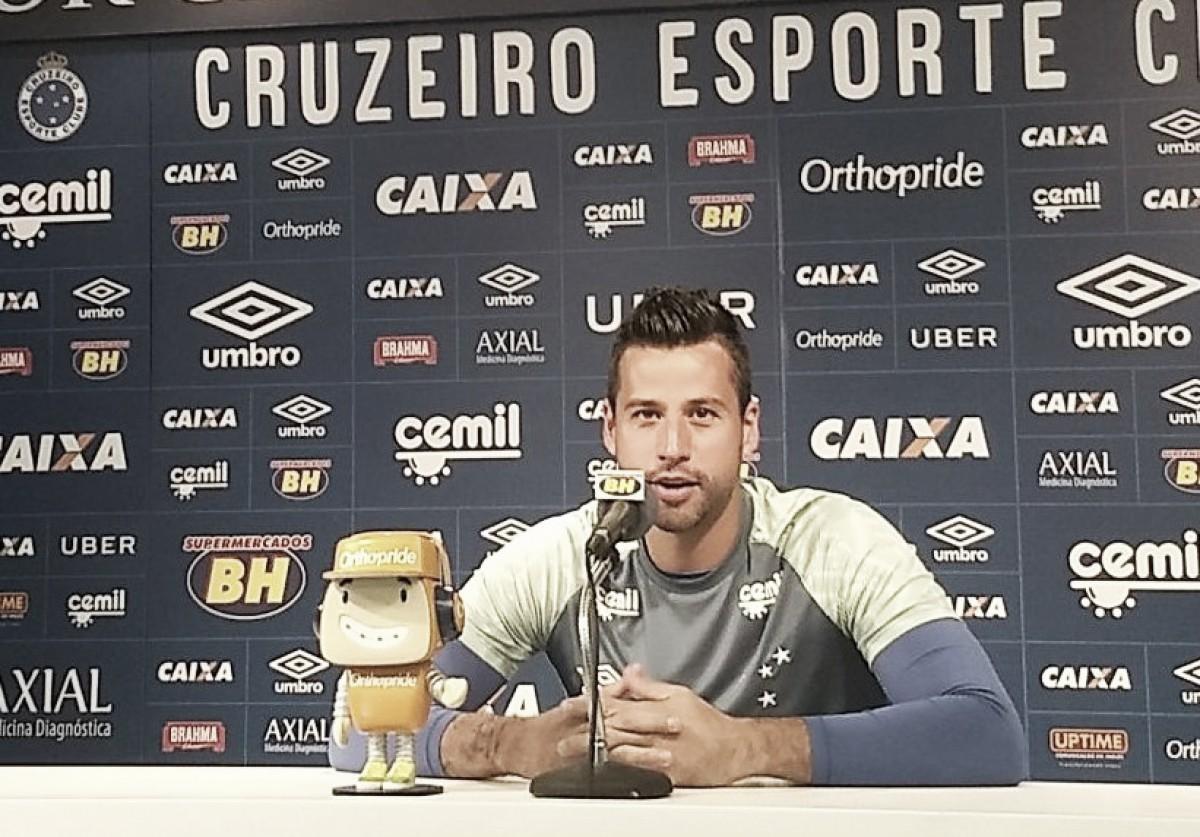 'O Atlético nos venceu com méritos', diz Mano após derrota no clássico