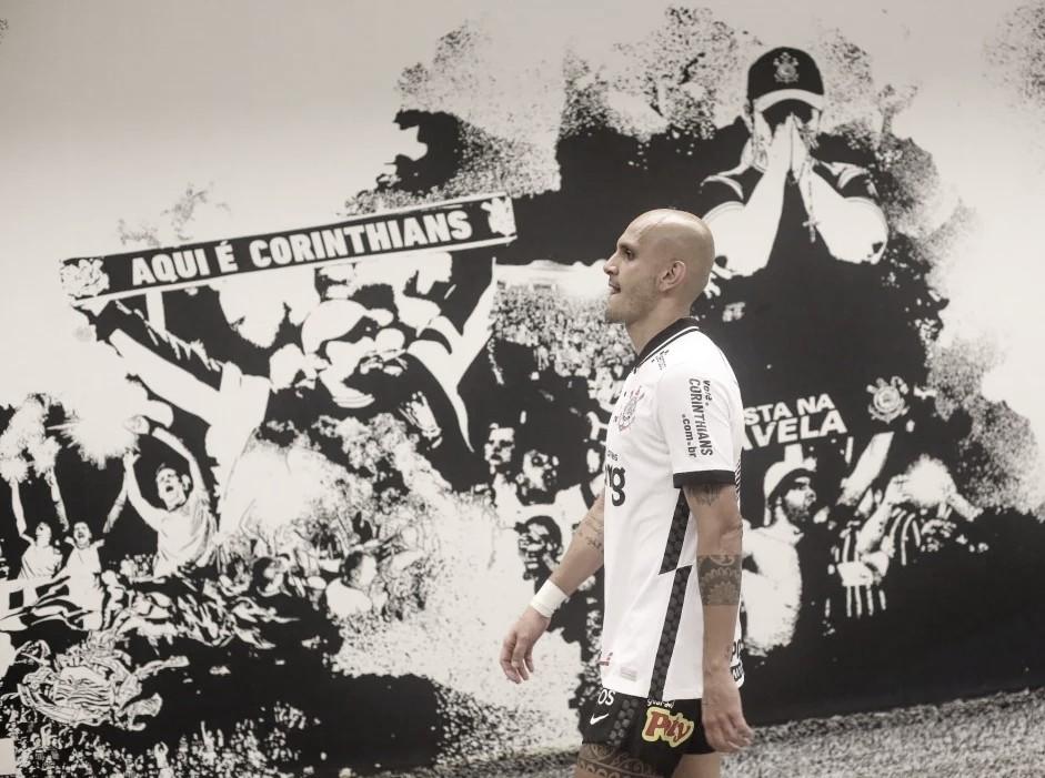 Fábio Santos diz que Corinthians equilibrou jogo com Flamengo, mas lamenta derrota