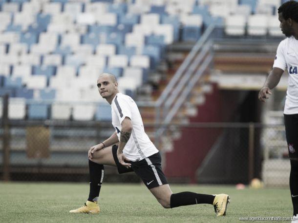 Corinthians confirma venda de Fábio Santos para o Cruz Azul, do México