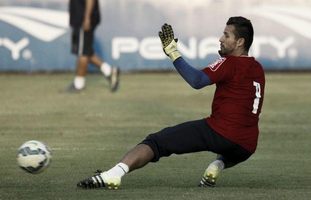 Fábio relembra momentos de superação com Cruzeiro e pede foco diante do Avaí