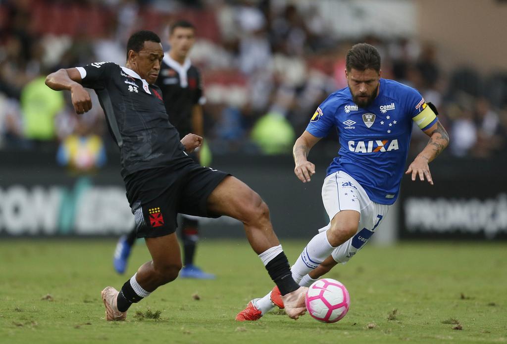 Fabrício compara pressão do Vasco com tempos sombrios de Inter e revela apoio de companheiros