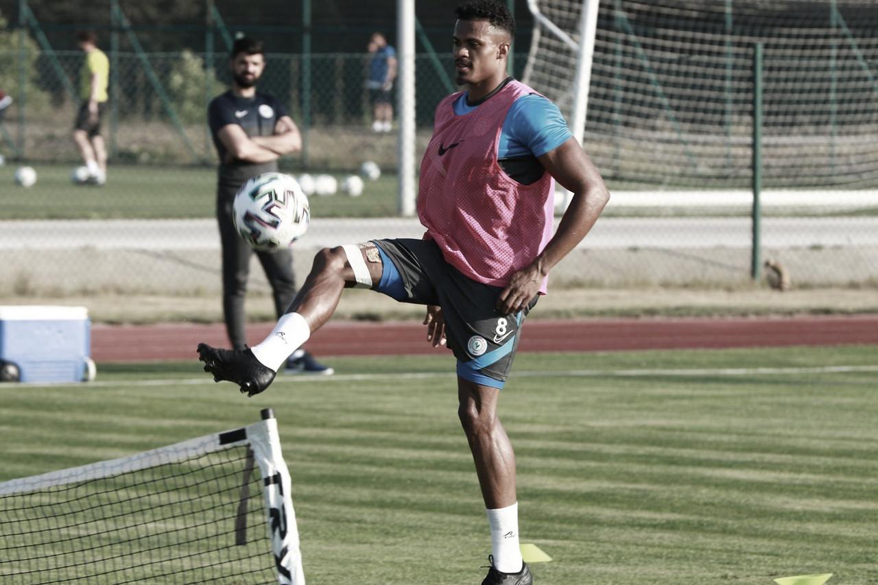 Fabrício Baiano comemora boa fase no Rizespor e destaca meta no clube turco