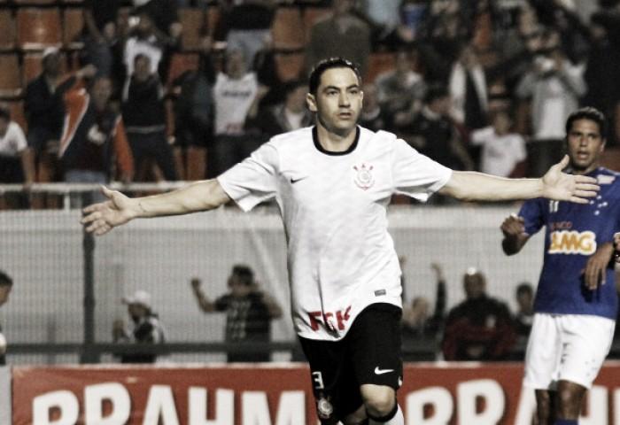 Ídolo do Corinthians, zagueiro Chicão anuncia aposentadoria do futebol