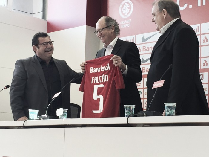 No retorno ao Inter, Falcão se mostra feliz e afirma: ''Gosto de um time que jogue bola''