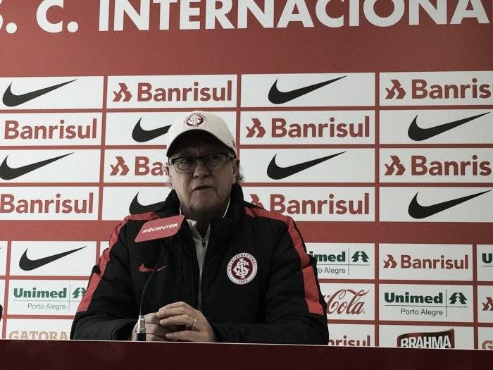 Lamentando nova derrota, Falcão fala em falta de confiança do elenco colorado