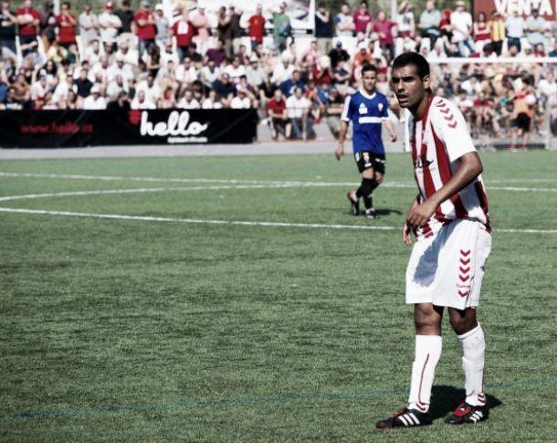 El Nàstic incorpora al centrocampista Fali y renueva al portero Varo