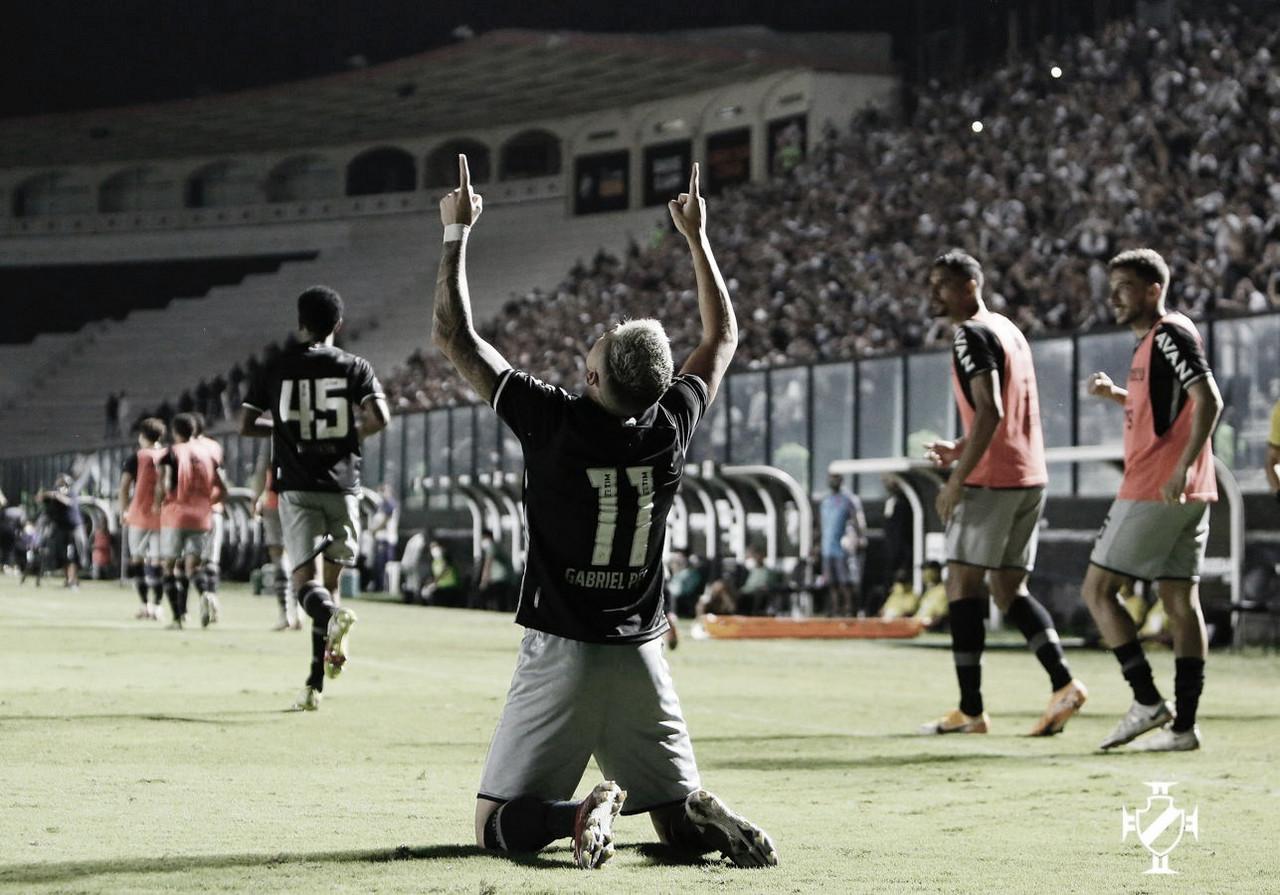 Com retorno da torcida em São Januário, Vasco vence Goiás e segue mirando G-4