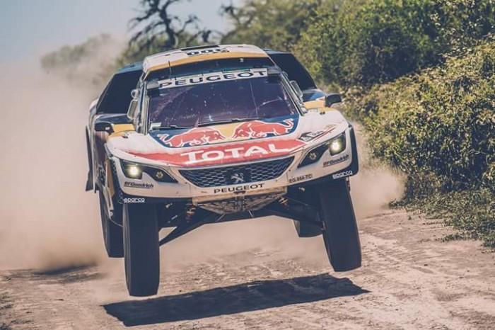 Dakak 2017 : Dakar 2017, Peugeot davanti a tutti con Loeb