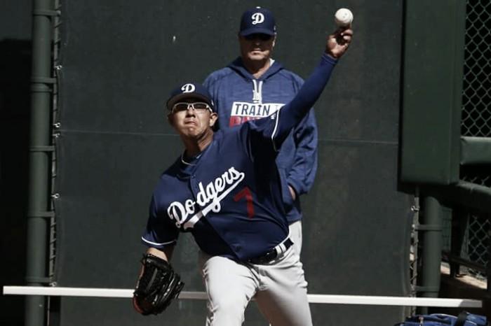 Dodgers gana con participación de Julio Urías y Sergio Romo