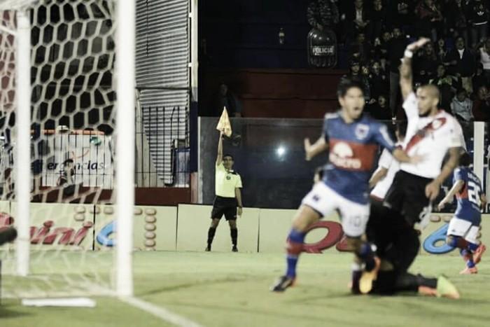 Cachete Morales y Paulo Lima, los salvavidas de la derrota