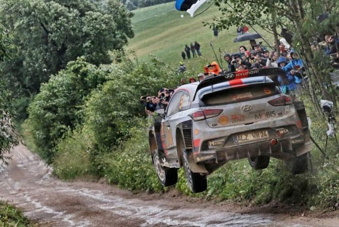 WRC Rally Polonia - Day 1: lotta nel fango